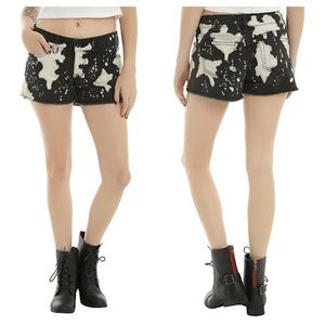 NWT Hot Topic Love Sick Bleach Jean Shorts